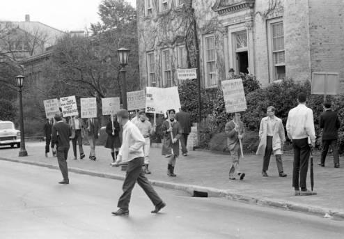 Photograph of students at UNC-Chapel Hill marching for free speech during the Speaker Ban Law protests in 1966.  Image is from the News and Observer Photograph Files, State Archives of N.C. Used in NCpedia by permission.