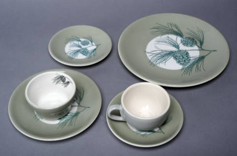 Photograph of a set of china designed by Alma Holland Beers, ca. the 1950s, for the Carolina Inn in Chapel Hill, N.C. Image from the Carolina Keepsakes Collection, UNC-Chapel Hill.