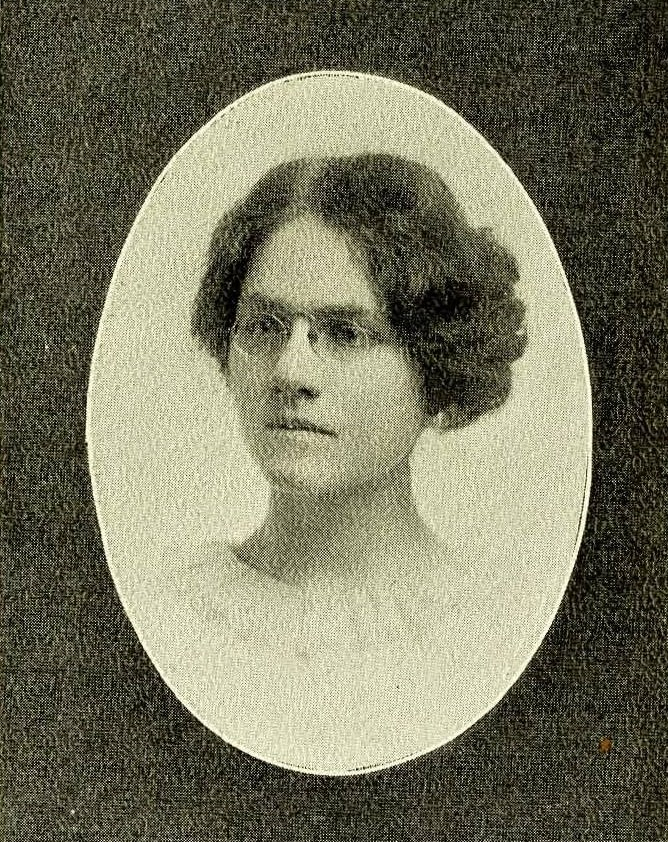 Yearbook photograph of Annie V. Scott in the 1914 Carolinian.