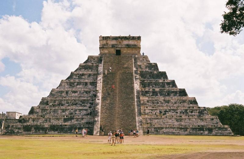 "<img typeof=""foaf:Image"" src=""http://statelibrarync.org/learnnc/sites/default/files/images/06elcastillo.JPG"" width=""1338"" height=""873"" alt=""El Castillo"" title=""El Castillo"" />"
