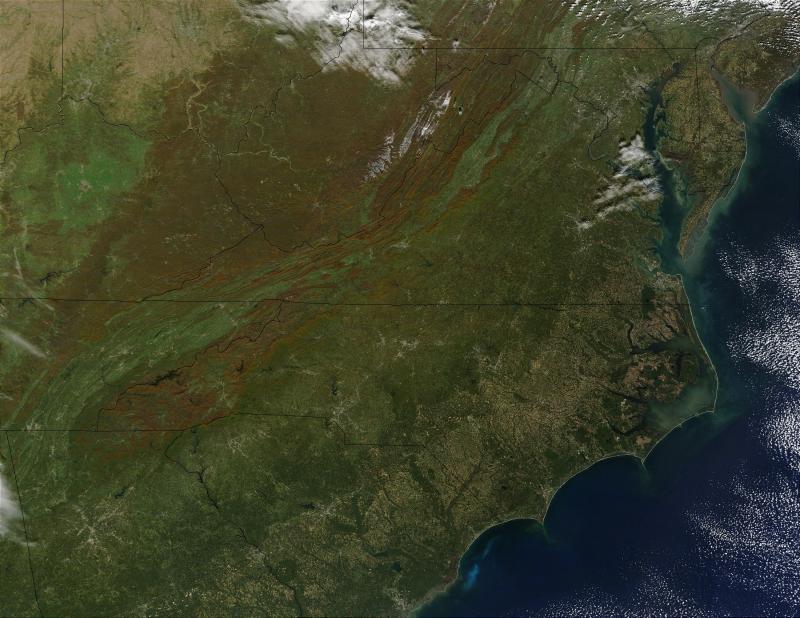"<img typeof=""foaf:Image"" src=""http://statelibrarync.org/learnnc/sites/default/files/images/MidAtlantic-sat.jpg"" width=""2200"" height=""1700"" alt=""Satellite photo of the Mid-Atlantic states"" title=""Satellite photo of the Mid-Atlantic states"" />"