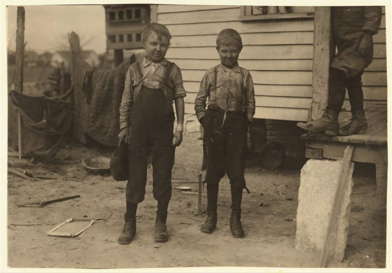 """<img typeof=""""foaf:Image"""" src=""""http://statelibrarync.org/learnnc/sites/default/files/images/allenbros_0.jpg"""" width=""""1024"""" height=""""715"""" alt=""""Charlie and Ollie Allen, child laborers"""" title=""""Charlie and Ollie Allen, child laborers"""" />"""