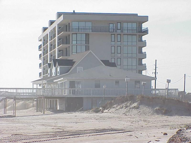 "<img typeof=""foaf:Image"" src=""http://statelibrarync.org/learnnc/sites/default/files/images/beach_erosion.jpg"" width=""1024"" height=""768"" alt=""Beach erosion"" title=""Beach erosion"" />"