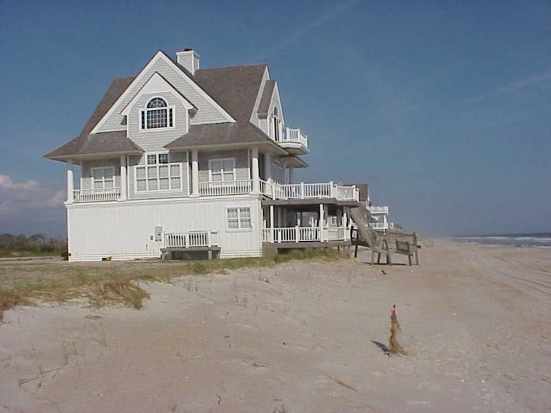 """<img typeof=""""foaf:Image"""" src=""""http://statelibrarync.org/learnnc/sites/default/files/images/beachfront_house.jpg"""" width=""""1024"""" height=""""768"""" alt=""""Beachfront mansion"""" title=""""Beachfront mansion"""" />"""