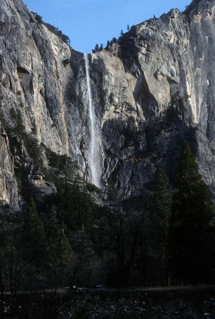 "<img typeof=""foaf:Image"" src=""http://statelibrarync.org/learnnc/sites/default/files/images/bridalveil_falls.jpg"" width=""690"" height=""1024"" alt=""Bridalveil Fall in Yosemite National Park, CA"" title=""Bridalveil Fall in Yosemite National Park, CA"" />"