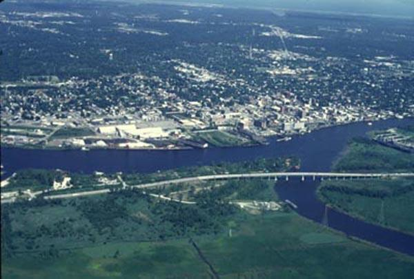 """<img typeof=""""foaf:Image"""" src=""""http://statelibrarync.org/learnnc/sites/default/files/images/cape_fear_river.jpg"""" width=""""600"""" height=""""404"""" alt=""""Confluence of the Cape Fear River and Northeast Cape Fear River"""" title=""""Confluence of the Cape Fear River and Northeast Cape Fear River"""" />"""