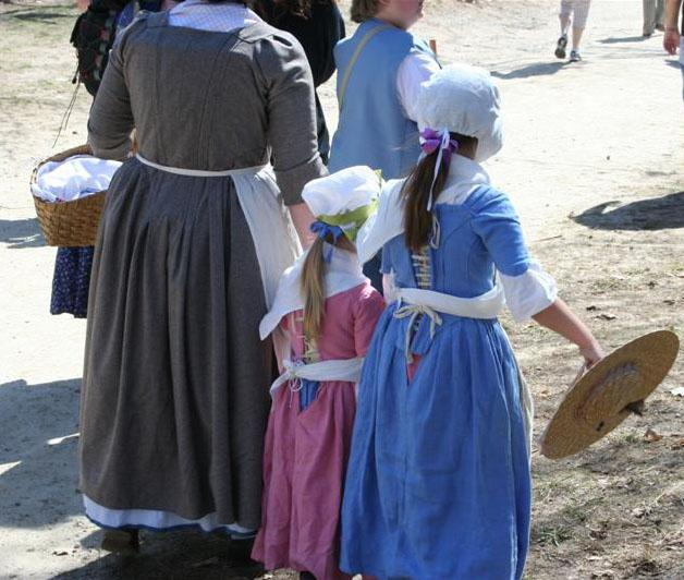 """<img typeof=""""foaf:Image"""" src=""""http://statelibrarync.org/learnnc/sites/default/files/images/colonial_woman_children.jpg"""" width=""""628"""" height=""""532"""" alt=""""Colonial woman and children"""" title=""""Colonial woman and children"""" />"""