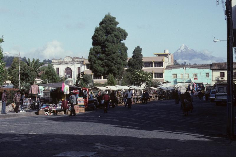 "<img typeof=""foaf:Image"" src=""http://statelibrarync.org/learnnc/sites/default/files/images/ecuador_022.jpg"" width=""1024"" height=""682"" alt=""Market town with snow-capped peak in background"" title=""Market town with snow-capped peak in background"" />"