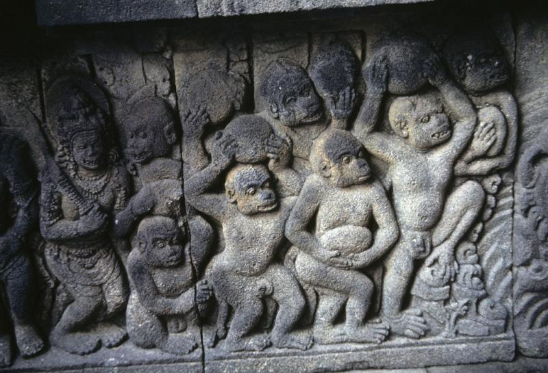 "<img typeof=""foaf:Image"" src=""http://statelibrarync.org/learnnc/sites/default/files/images/thai_rama_128.jpg"" width=""1024"" height=""698"" alt=""Stone stele at Prambanan shows monkeys bringing stones for Rama's bridge"" title=""Stone stele at Prambanan shows monkeys bringing stones for Rama's bridge"" />"