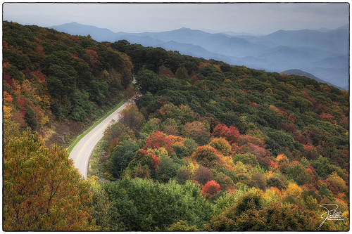 Cherohala Skyway. Image courtesy of Flickr Commons user Frank Kehren.
