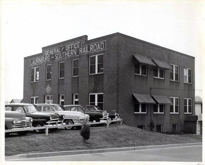 The general office of the Laurinburg & Southern Railroad, Laurinburg, N.C., 1953. Image from the North Carolina Museum of History.
