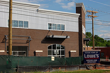 A Lowe's store under construction in Charlotte, N.C., 2008. Image from Flickr user  Willamor Media/James Willamor.