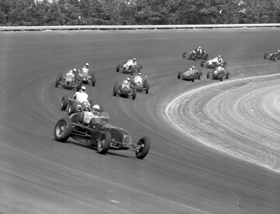 July 4, 1952 race in Southand Speedway. Photo by Raleigh News & Observer. Compliments of the NC State Archives. Call no. NO_7-4-1952 06.