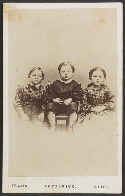 659f9fdd54ea Childhood in the Civil War