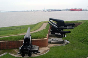 Photograph of canon at Fort McHenry, Baltimore, Maryland.  Fort McHenry defended Baltimore Harbor during the War of 1812.  By user Urban on Wikimedia Commons.  Used with GNU Free Documentation License.