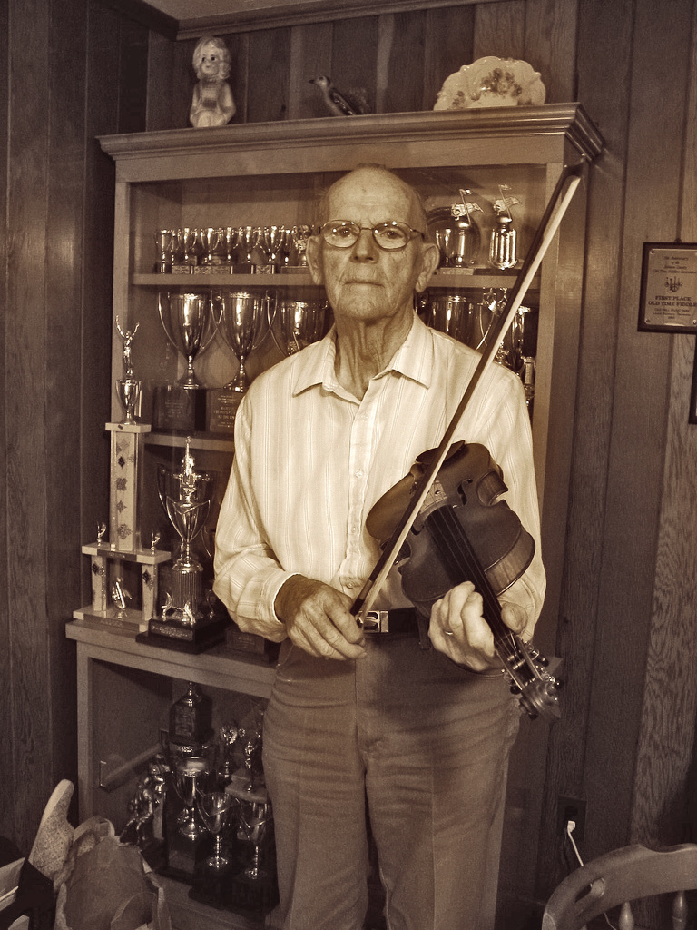 Legendary fiddle player Benton Flippen