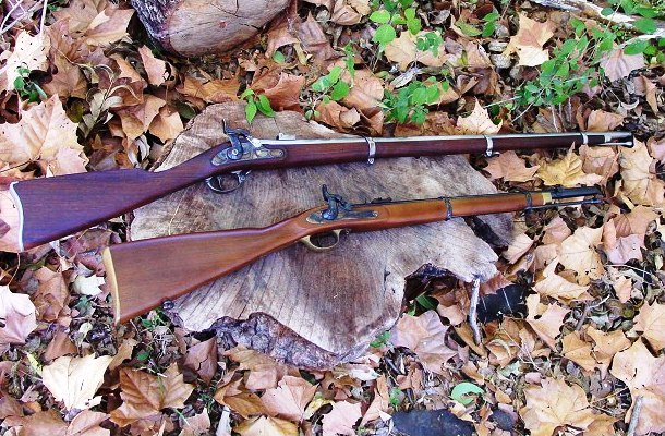 A Springfield rifled musket (above) and an Enfield musketoon.
