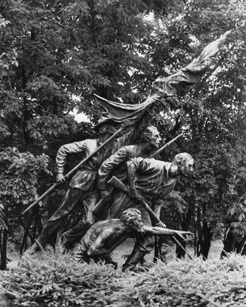 The North Carolina Memorial on the Gettysburg battlefield. Photograph by Jerry Cotten. North Carolina Collection, University of North Carolina at Chapel Hill Library.