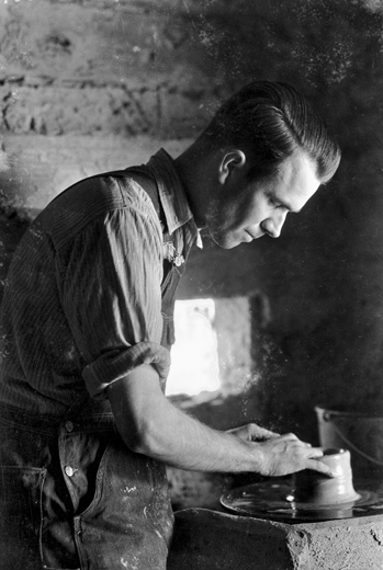 Ben Owen at work in Jugtown, ca. 1930s. Photograph by Bayard Wootten. North Carolina Collection, University of North Carolina at Chapel Hill Library.