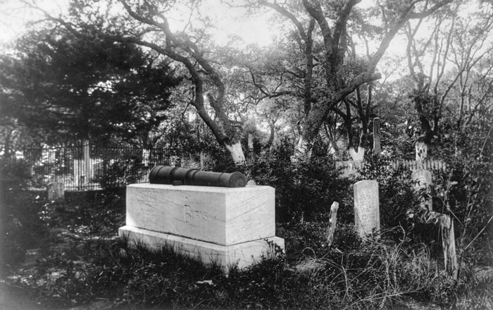 Grave of Otway Burns at the Old Burying Ground in Beaufort, ornamented with a cannon from his ship, the Snap Dragon. Photograph (taken ca. 1898) by Collier Cobb Sr. North Carolina Collection, University of North Carolina at Chapel Hill Library.
