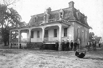 A 1900 photograph of Cornelius Harnett Jr.'s house.  Image from the North Carolina Museum of History.