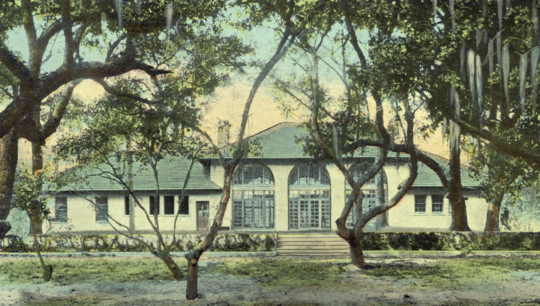 A postcard of Pembroke Park near Wilmington. It later became the residential community Landfall.