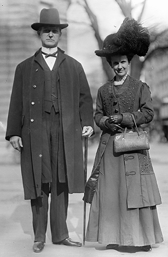 William Walton Kitchin with his wife, Musette Satterfield Kitchin, 1912. Image from the Library of Congress.