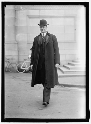 Photographic portrait of Luke Lea, Senator from Tennessee, 1911-1917, by Haris & Ewing, 1914.  From the Harris & Ewing Collection, Library of Congress, Prints & Photographs Online Catalog.