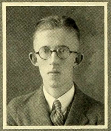 Senior portrait of George Moseley Murphy, from the 1924 University of North Carolina at Chapel Hill yearbook <i>The Yackety Yack</i>,  Volume XXXIV, p. 90, published by the Publications Union of the University of North Carolina Chapel Hill.