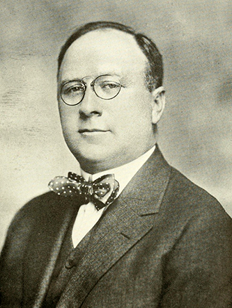 A photograph of Sidney Halstead Tomlinson Sr. published in 1919. Image from the Internet Archive.