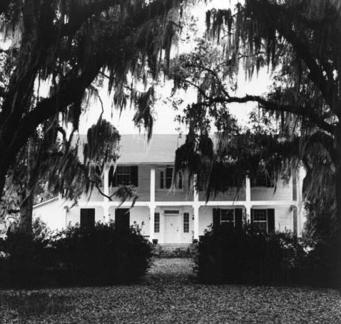 Highland plantation, built by William Barrow. Courtesy of the State Library of Louisiana Historic Photographic Collection.