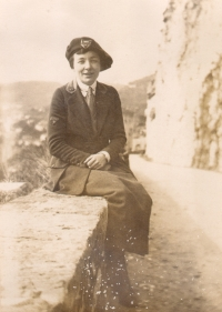 Nell Battle Lewis, circa 1918. Image courtesy of UNC-Chapel Hill Libraries.