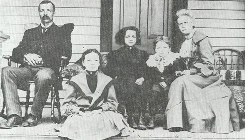 """Thomas Sewell Inborden and his family. Left to right: T. S. Inborden, Julia Inborden Gordon, Dorothy Inborden Miller, Wilson Inborden, and Sara Jane Evans Inborden."" Image from the Daily Southerner."