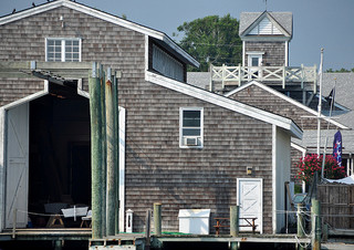 Back of the North Carolina Maritime Museum. Image courtesy of Flickr user Susan Smith.