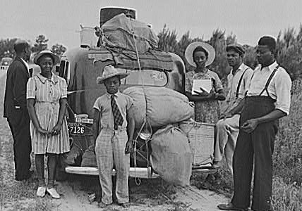 Group of Florida migrants on their way to Cranberry, New Jersey, to pick potatoes. Near Shawboro, North Carolina. Image courtesy of Library of Congress.